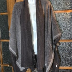 Poncho style Sweater - Sz LG